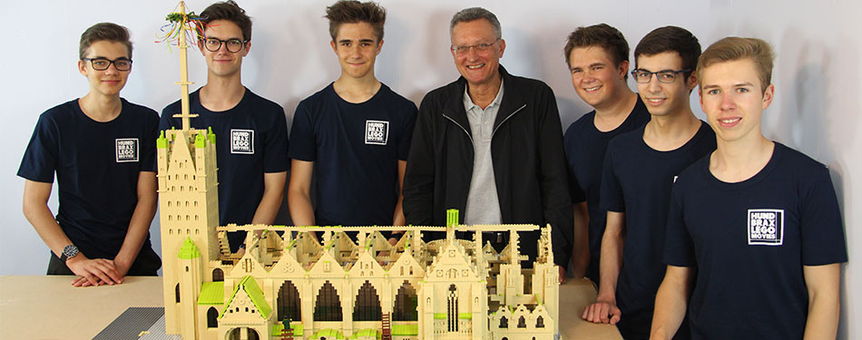 Roofing ceremony of the LEGO cathedral